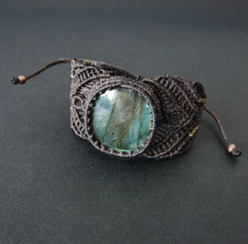 "Unique macrame bracelet ""Labradorite beauty"""